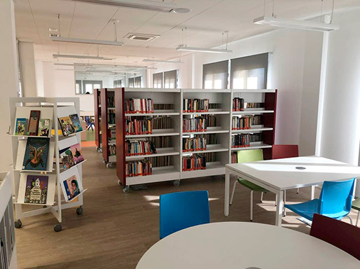 silla_polivalente_atenea_de_dile_con_metalundia_en_biblioteca_alhora_malaga2