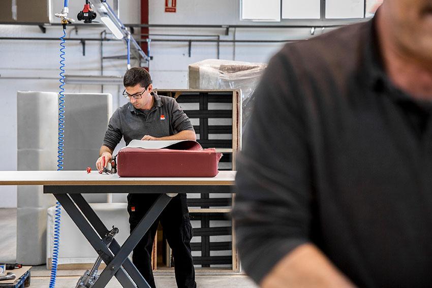 Equipo-de-trabajo-dile-fabricante-de-sillas-oficina,-contract-y-areas-de-espera